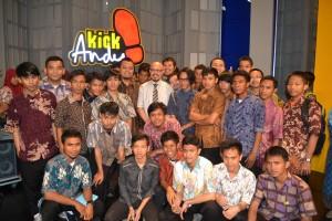 Foto bareng bersama Andy F. Noya dalam program Kick Andy MetroTV